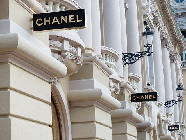 Chanel et la plateforme de vente en ligne Farfetch signent un partenariat 573572244a5