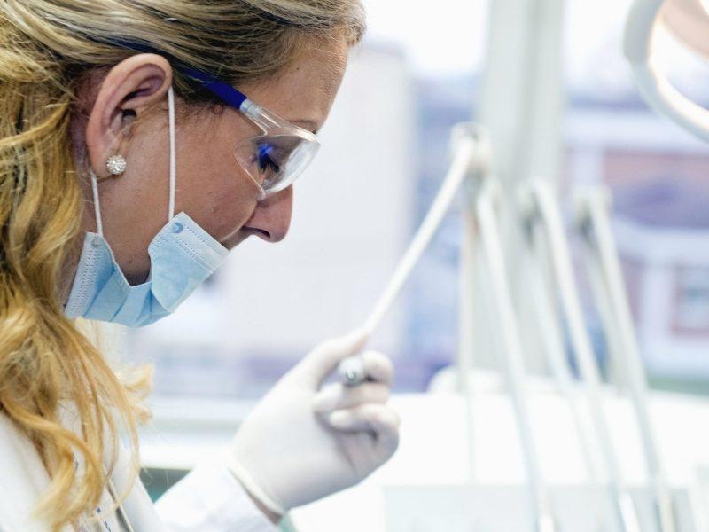 Coronavirus : LVMH offre 10 millions de masques aux hôpitaux français