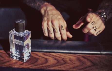 Adam Levine : un ambassadeur rock pour Yves Saint-Laurent