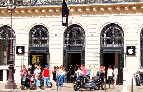Apple inaugure sa boutique des Champs-Elysées