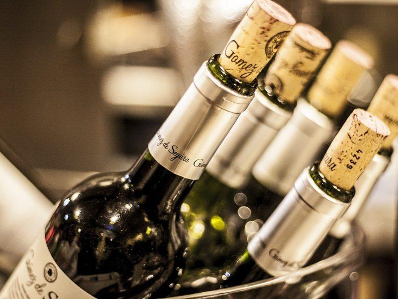 Un bouchon connecté haut de gamme pour vérifier la qualité du vin
