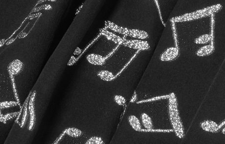 Saint Laurent double la mise sur le web