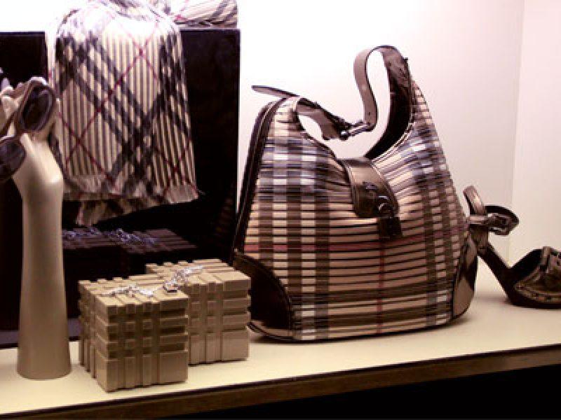 Burberry rachète un fabricant de sacs à main