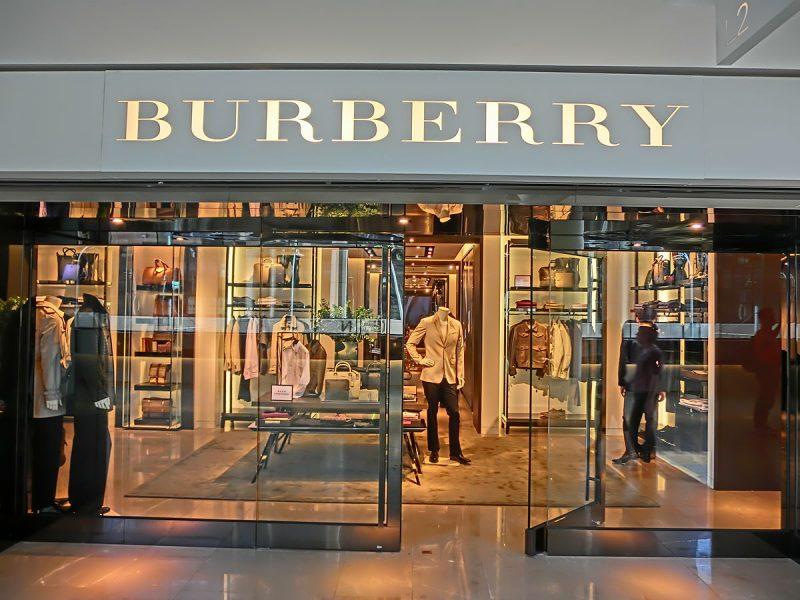 Burberry présente ses excuses après le scandale du sweat à nœud coulant