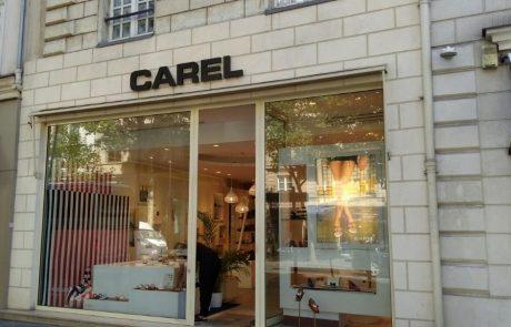Carel fête ses 65 ans et revisite six modèles de chaussures