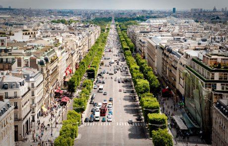 Chanel rend hommage à Paris aux Galeries Lafayette