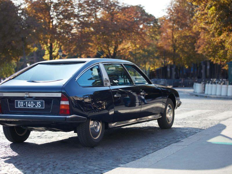 Le Crillon propose une balade exclusive en Citroën de 1976
