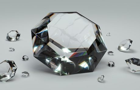 Diamants naturels versus diamants de synthèse : le combat commence…
