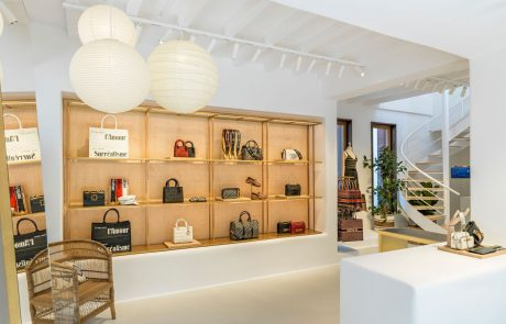 Dior ouvre son pop-up store à Mykonos