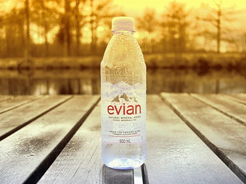 Virgil Abloh devient conseiller créatif chez Evian