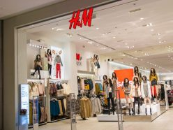 Le styliste Giambattista Valli crée une collection pour H&M