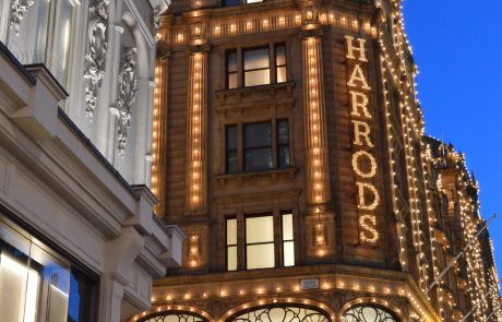 Harrods ouvre un magasin ultra-luxe en Chine