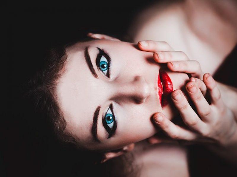La Bouche Rouge offre le premier rouge à lèvres sur-mesure