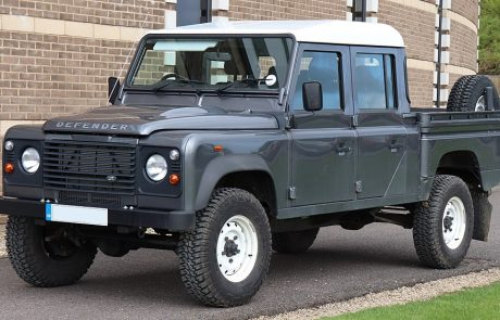 Land Rover présente son nouveau modèle Defender