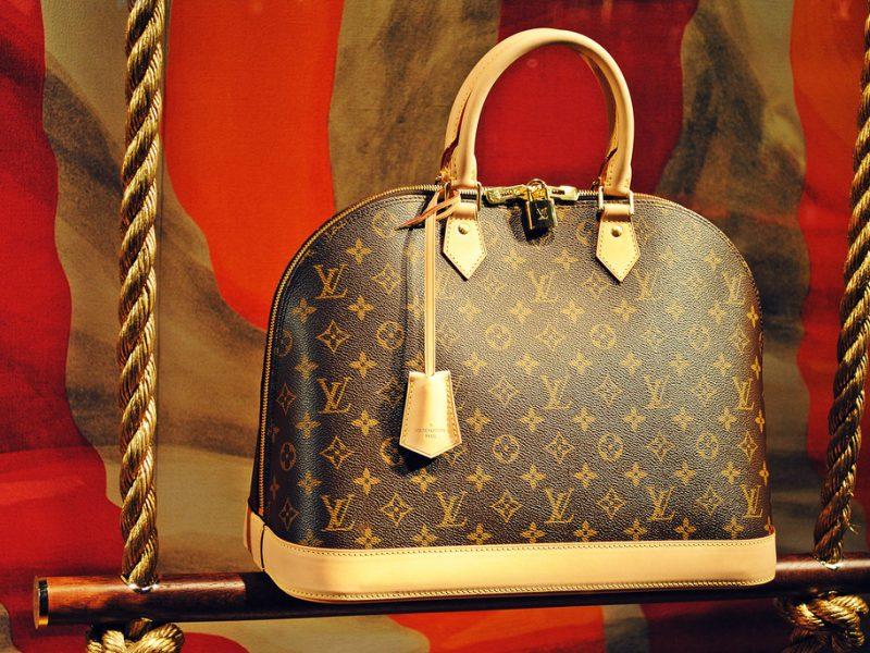 Louis Vuitton lance une campagne de recrutement pour son nouveau site à Vendôme