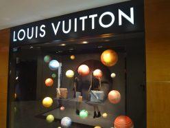 Jouez avec la montre Tambour Horizon de Louis Vuitton
