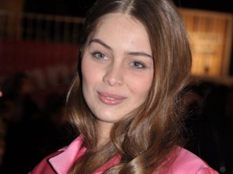 Marie-Ange Casta est le nouveau visage de Lancaster Beauty