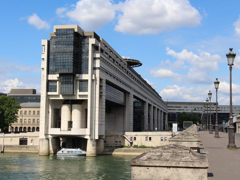 Coronavirus : Bercy organise une réunion avec les représentants des filières commerciales françaises