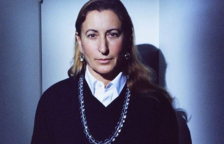 Miuccia Prada récompensée aux Fashion Awards 2018