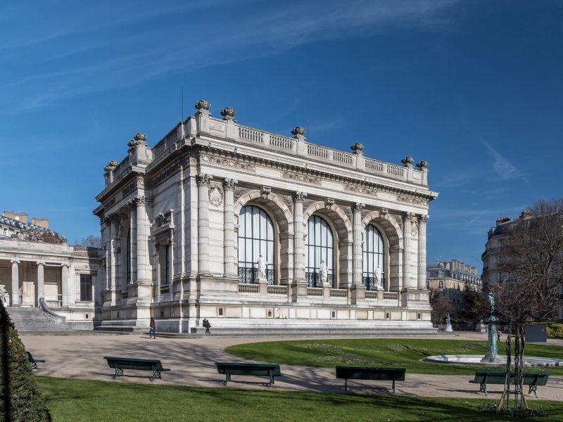 Le Palais Galliera rouvre ses portes et rend hommage à Chanel