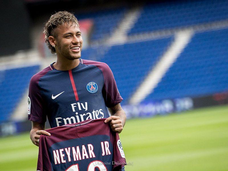Diesel et Neymar créent un nouveau parfum