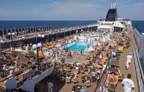 La Méditerranée, du voyage au tourisme de masse