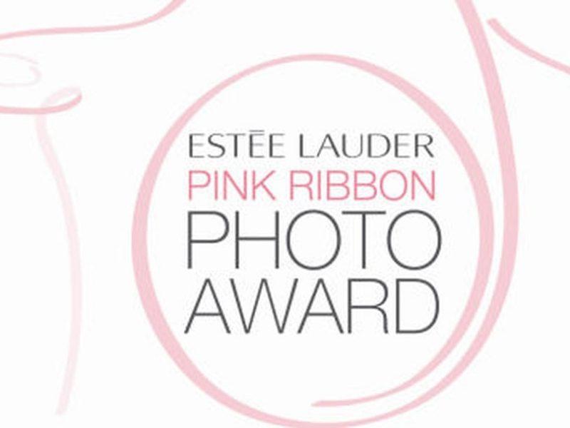 Estée Lauder lance l'édition 2018 du Pink Ribbon Photo Award