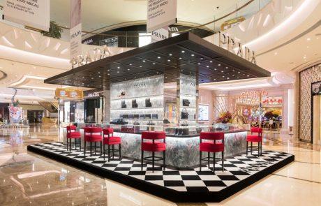 Prada investit dans une nouvelle stratégie merchandising