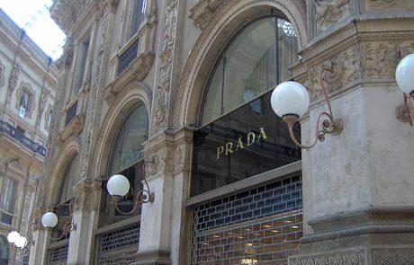 Prada conserve sa boutique dans la Galleria Vittorio Emanuele II à Milan