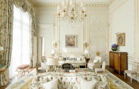Le Ritz s'expose et vend son mobilier aux enchères