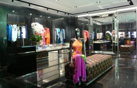 Inauguration de la boutique Roberto Cavalli avenue Montaigne