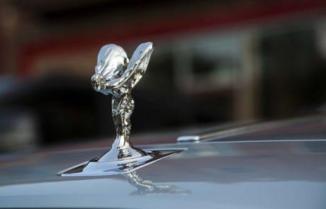Rolls-Royce conçoit une malle à champagne ultra-luxe