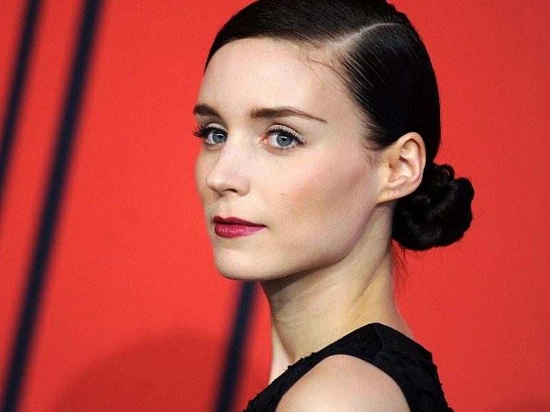 L'Interdit : Rooney Mara incarne la nouvelle eau de parfum de Givenchy