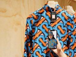 Nouveau magasin Burberry en Chine : le luxe adopte le social retail