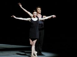 La danseuse étoile Svetlana Zakharova incarne Coco Chanel
