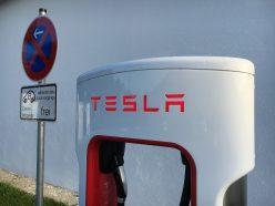 Tesla : une sortie de Bourse mouvementée