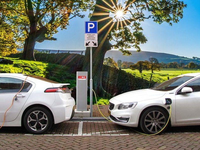 Les véhicules électriques provoquent plus d'accidents selon un assureur