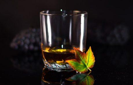 Mackmyra produit le premier whisky issu de l'intelligence artificielle