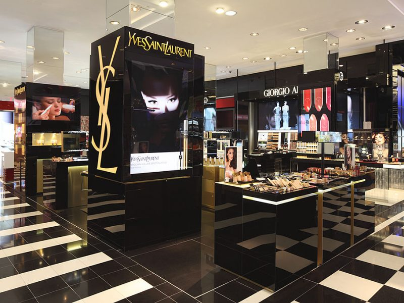 Yves Saint Laurent lance une nouvelle version de Black Opium