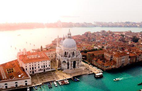 Armani Beauty sponsor principal du festival de Venise