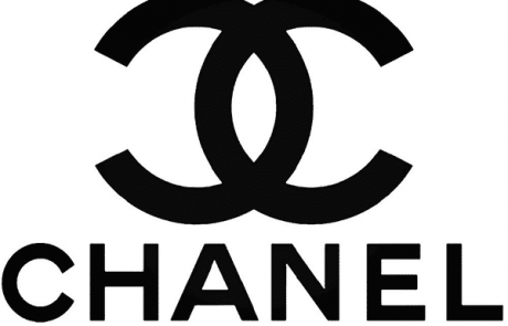 Chanel et Farfetch inventent la cabine d'essayage du futur