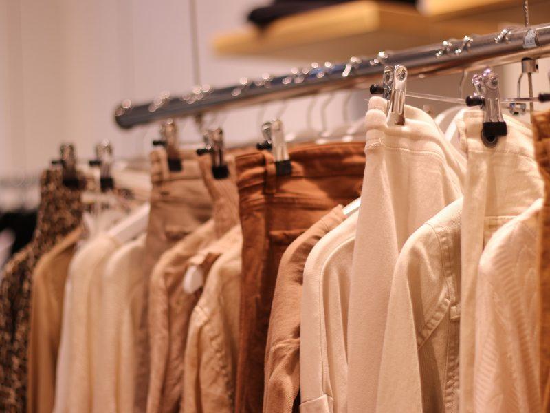 Aitor Throup dévoile une nouvelle marque mixte et sportwear