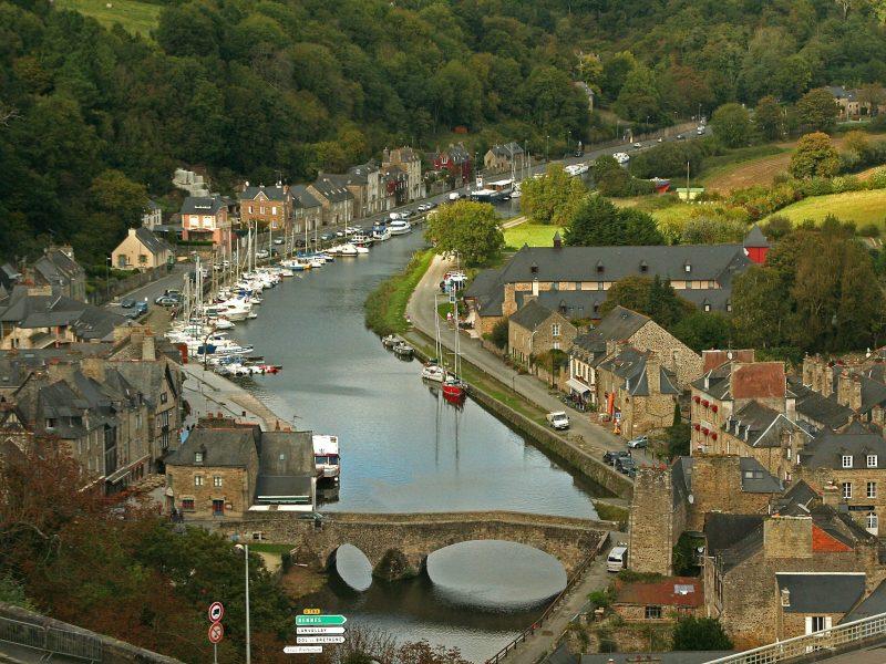 Report pour les festivals de Hyères et Dinan