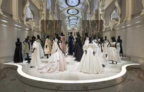 Christian Dior, designer of dreams : l'expo joue les prolongations à Londres