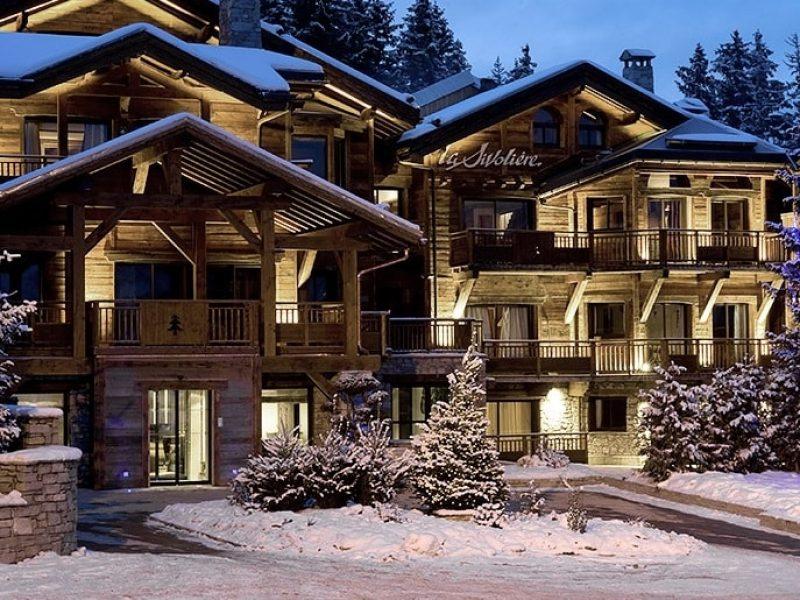 Des chalets alpins de luxe plus demandés que jamais