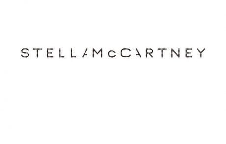 Stella McCartney lance sa capsule en collaboration avec MyTheresa.com