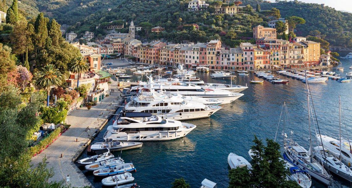 Les constructeurs de voitures de luxe font voile vers les yachts